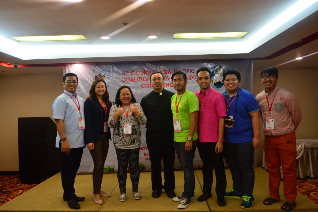 The youth minister-participants to the CAPCHA 6 with Fr. Dan Cancino, MI, Executive Secretary of the CBCP-Episcopal Commission on Health Care (center)
